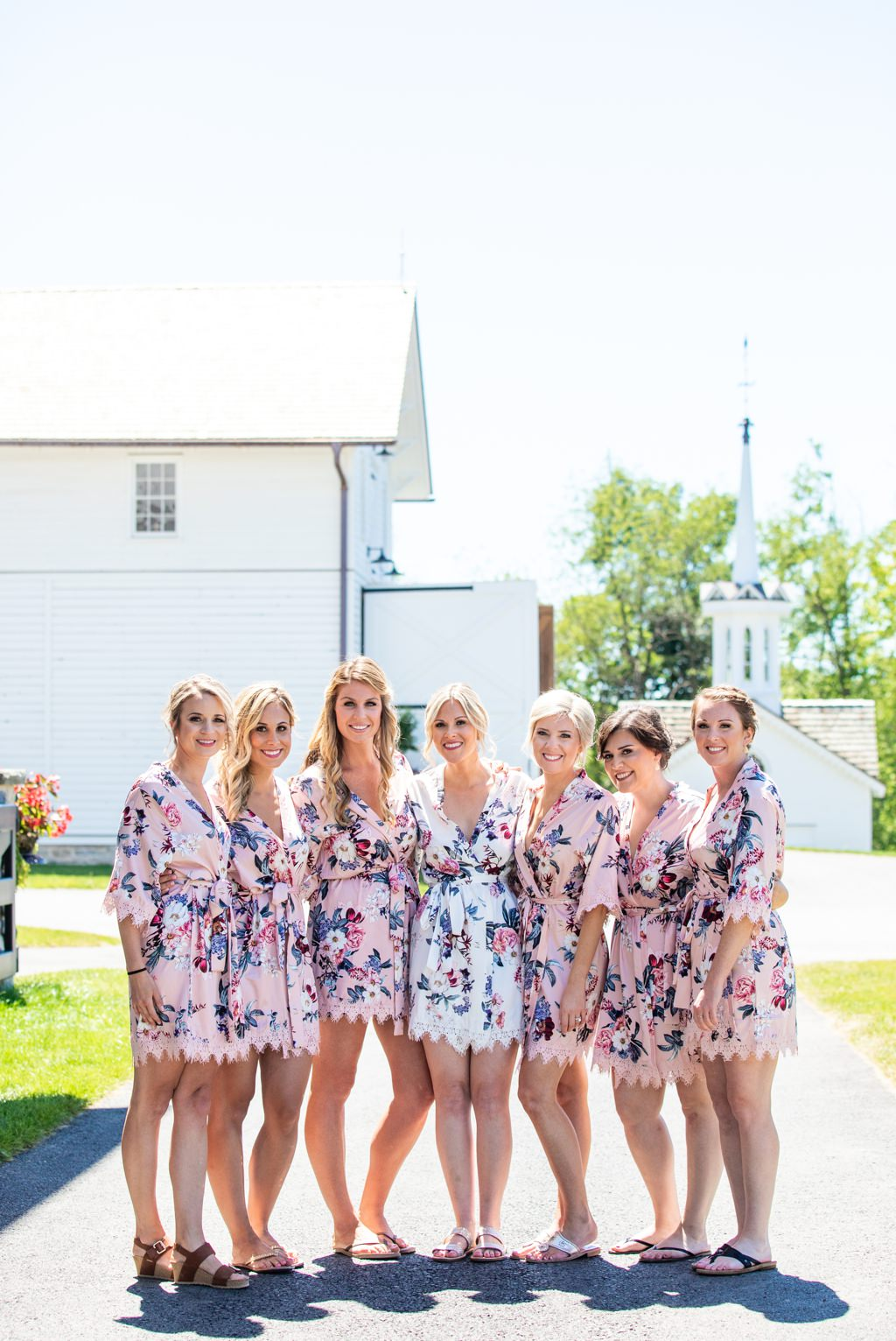 bride-bridesmaids-getting-ready-the-star-barn