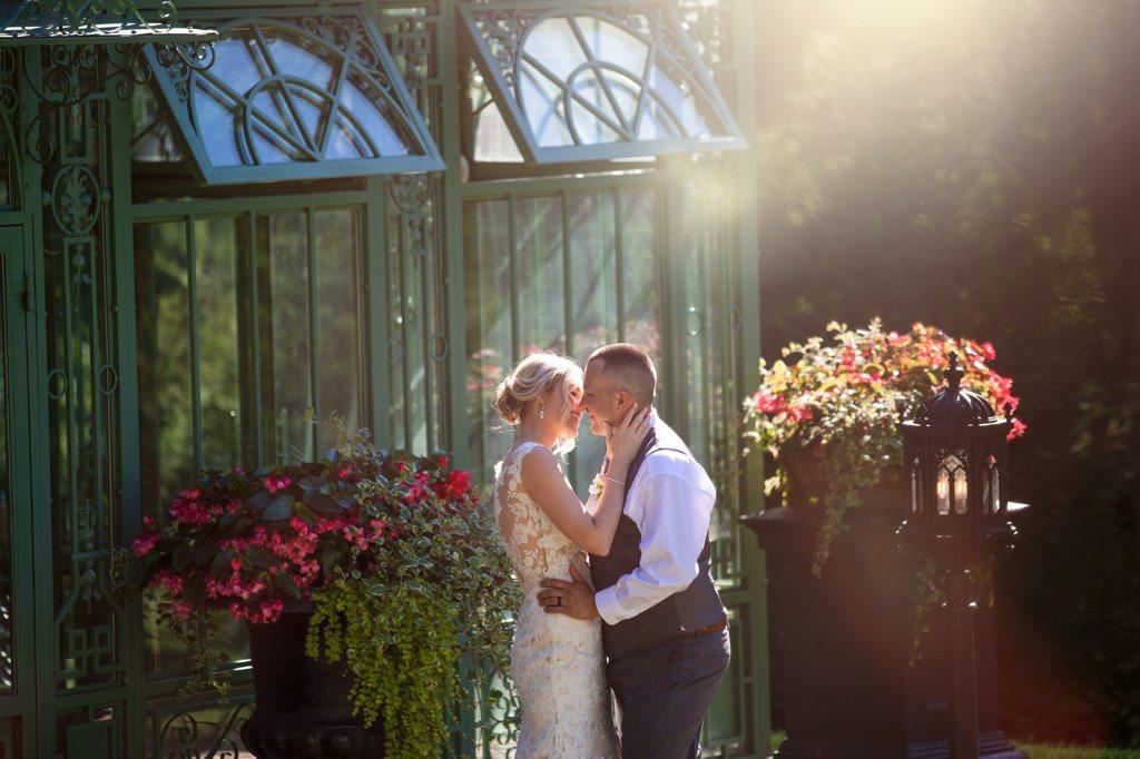 the-star-barn-wedding-photo-bride-and-groom